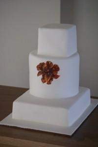 modern wedding cake 2 200x300 Ultra Modern wedding cakes